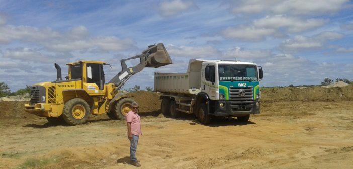 Prefeito Humberto Gomes acompanha a recuperação das estradas no sentido Chorrochó/Barra