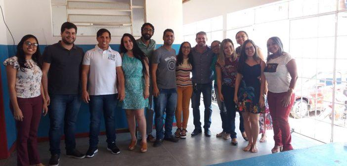 Equipe da Saúde e Cras se reúnem para planejar ações do Outubro Rosa e do Dia da Criança